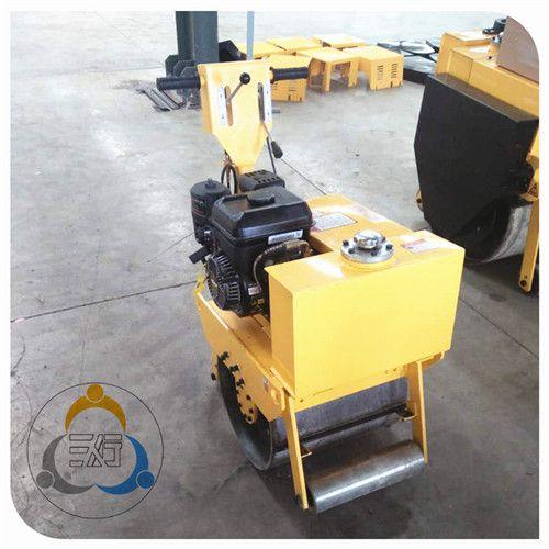 手扶振动压路机 小型回填土压路机厂家 各地修路常见的三人行设备