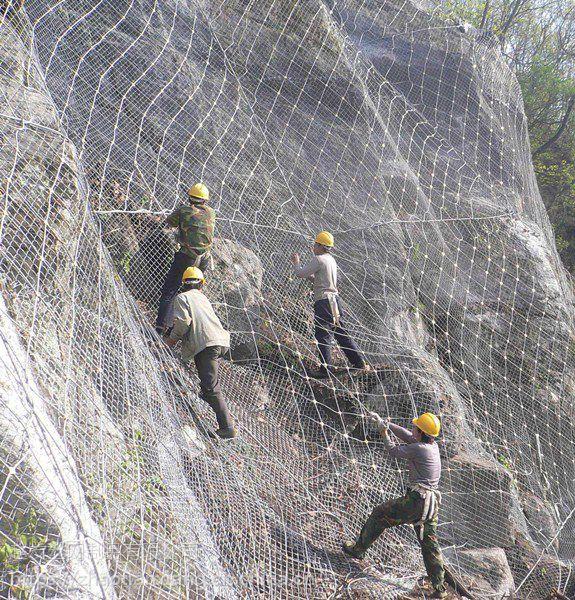 赵发山坡挂网防坠石.菱形主动网围网.被动防护网防滚石