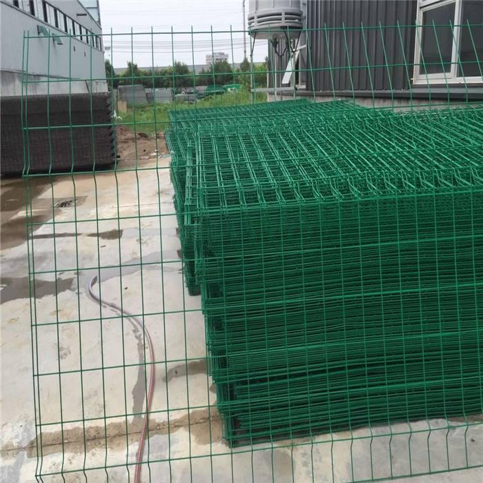 圈山隔离网 养殖用铁丝防护网 双边丝护栏网 经久耐用