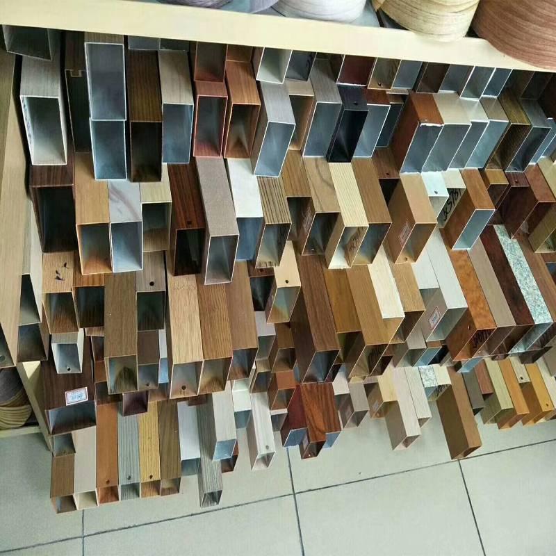 广东热转印木纹铝方通实力厂家订购1342271639李先生-欧百建材