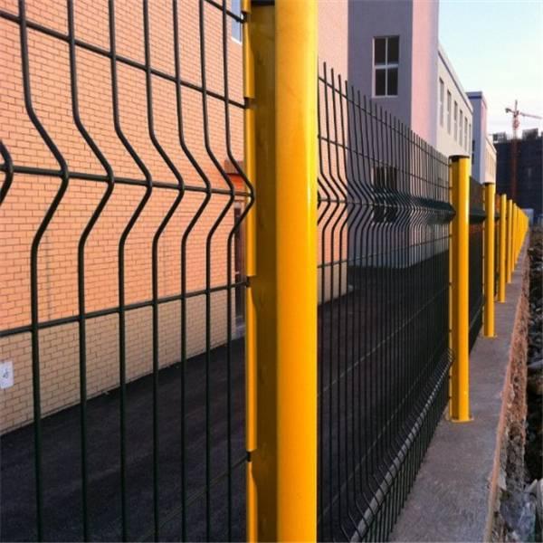 肇庆围墙护栏网现货 珠海桃形柱护栏网厂家 深圳厂房围栏网定做