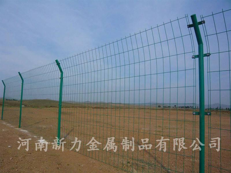 现货供应 铁丝网围栏网 1.8*3米双边丝护栏网 河南新力