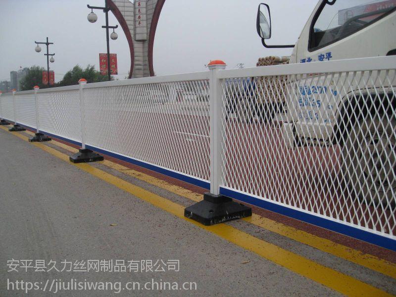 市政道路围栏网多钱一米-市政道路围栏网