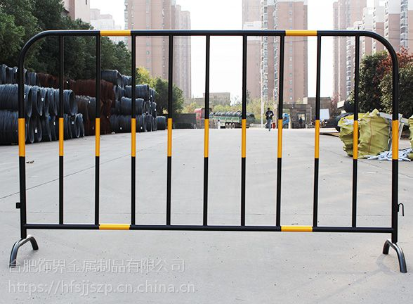 合肥铁马护栏哪里买便宜饰界铁马现货供应镀锌喷塑铁马厂家
