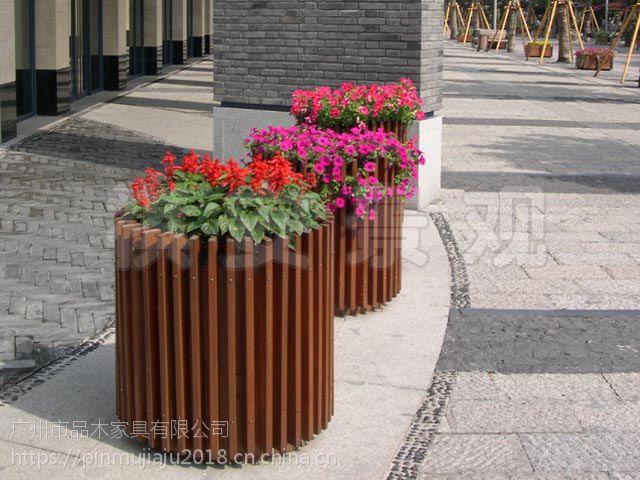 供应现货优质实木花箱:小区花箱:景观大道花箱