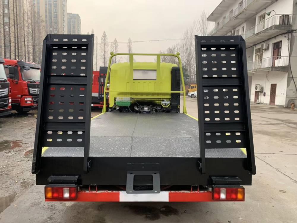 四川大马力的小挖机拖车上户需多少钱