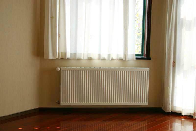 暖气片安装明装暖气片查瑞斯进口暖气片安装价格效果
