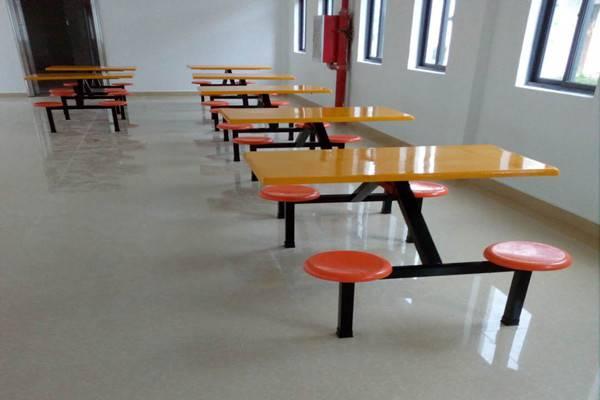 淡水4人位玻璃钢餐桌批发 饭堂餐桌厂家