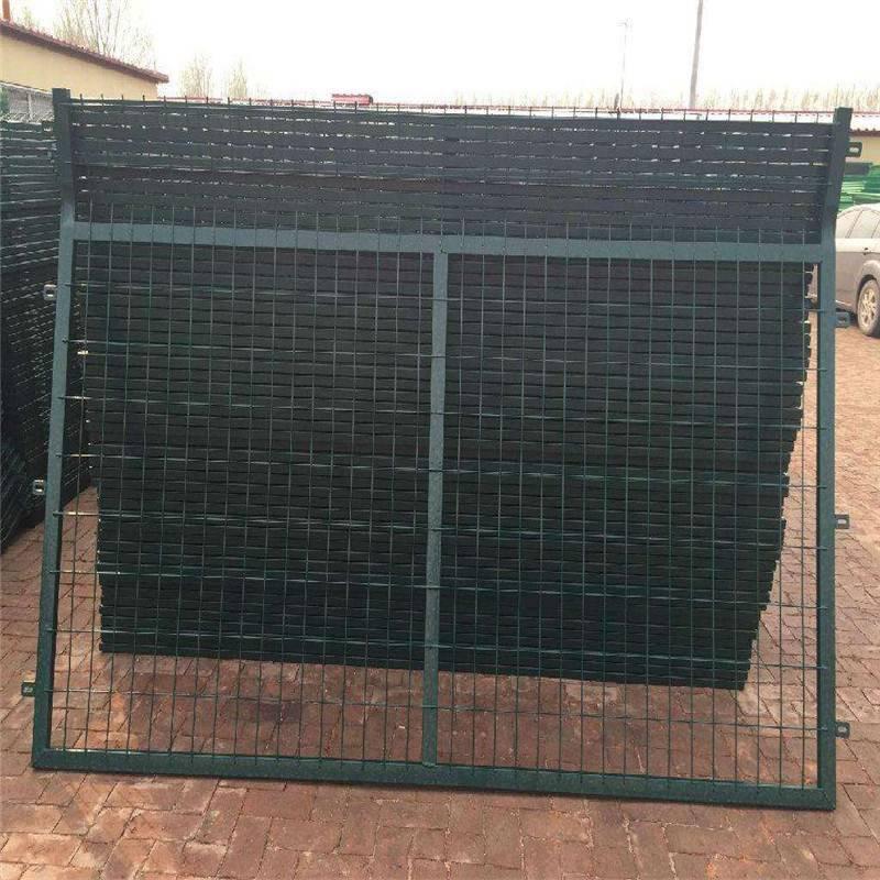 停车场护栏网 隔离栅网片 铁丝围栏网