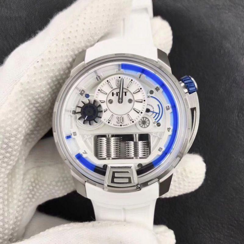 哪里有卖高仿卡地亚坦克手表,顶级有什么价位的?