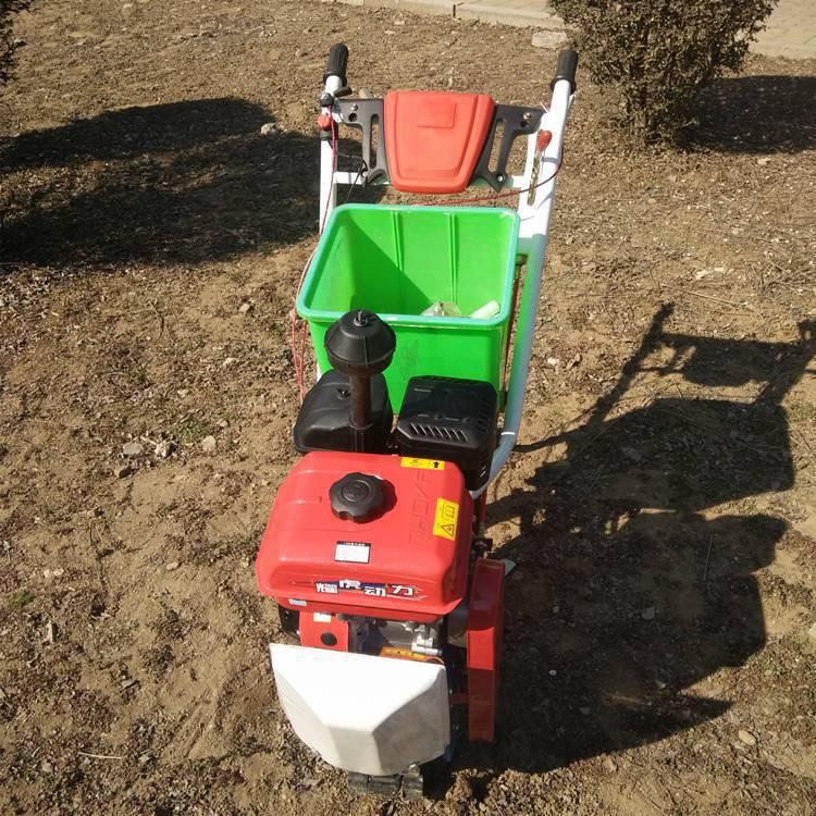 供应化肥抛撒机小麦玉米施肥器加厚肥料桶大面积撒肥机
