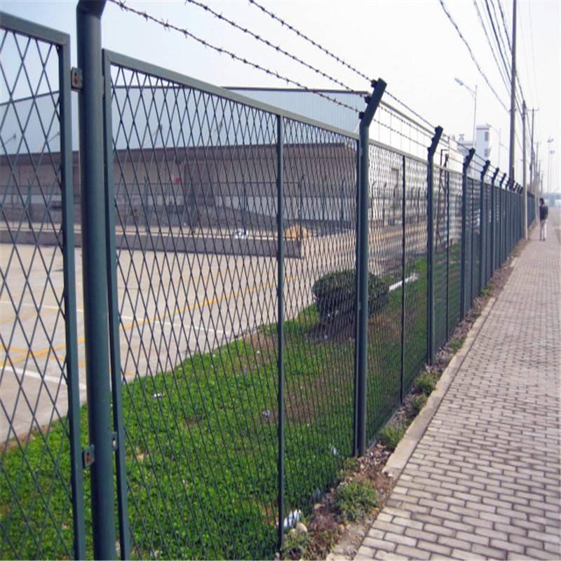 绿化带防护网 绿色围栏网 铁丝网现货