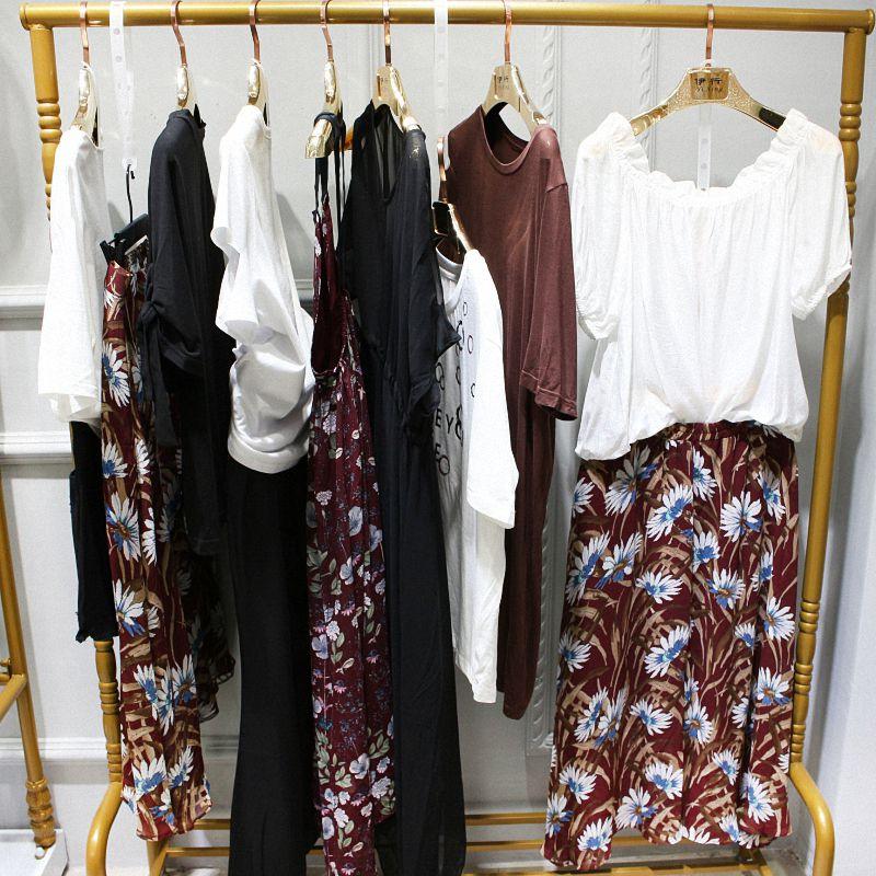 时尚品牌折扣夏柏女装折扣店尾货进货价格
