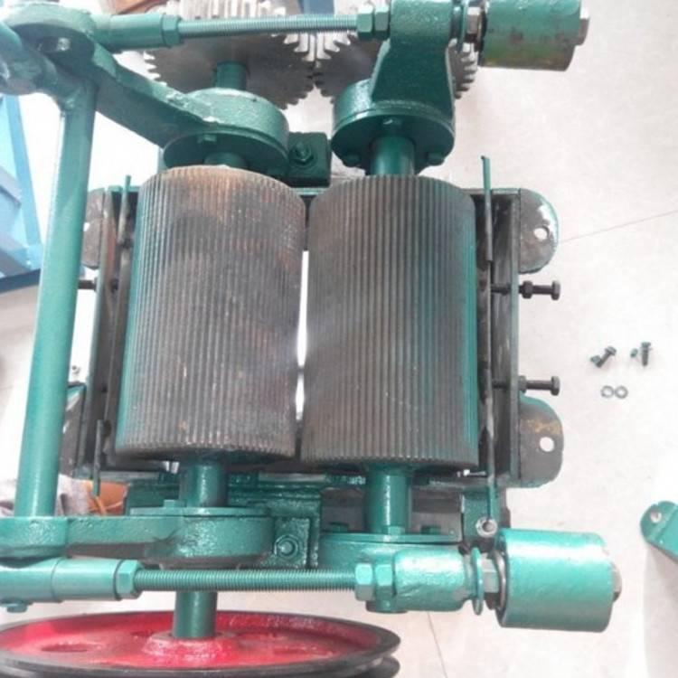 小型杂粮粗碎机 油坊榨油用花生破碎机 酿酒用高梁稻谷破碎机