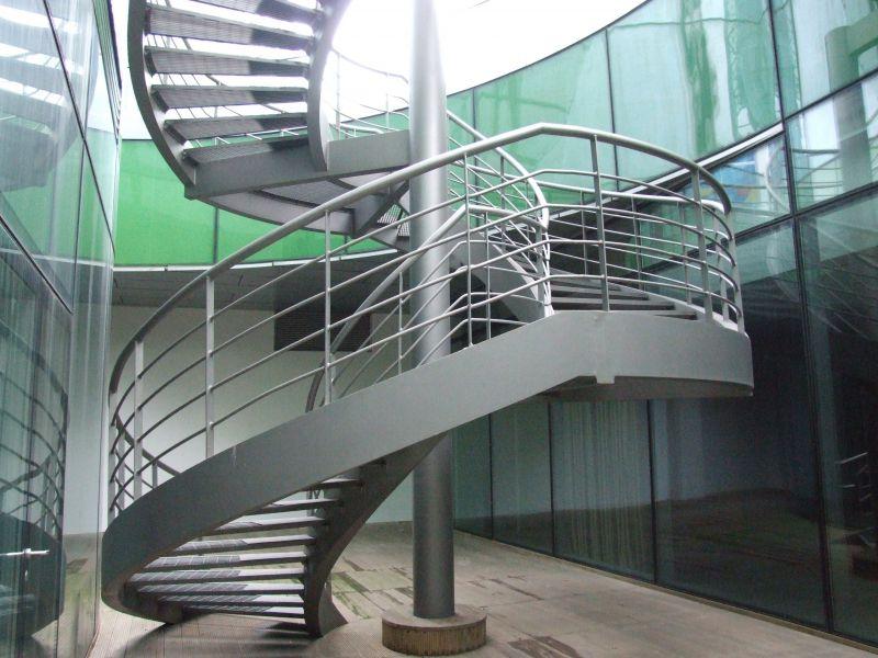 厂家供应旋转楼梯钢结构玻璃楼梯厂家玻璃光纤楼梯定制
