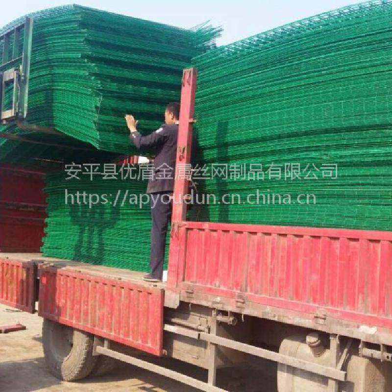 工厂价直销铁丝网隔离网 浸塑高速公路护栏 乐山市防攀爬围网