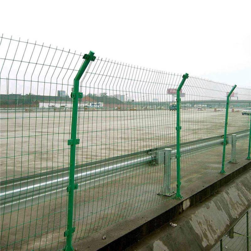 圈地护栏网 工地防护栏 防护栏多少钱一米