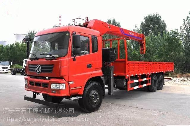青海随车吊平板运输车厂家-12吨东风国五排放标准吊臂5米4节