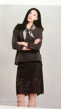 艾凸秋多种款式复古品牌女装加盟国内一线高档品牌