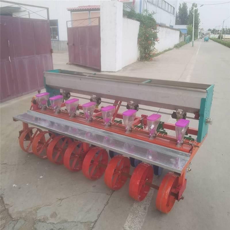 苜蓿草施肥播种机 拖拉机带苜蓿精播机 油菜播种机