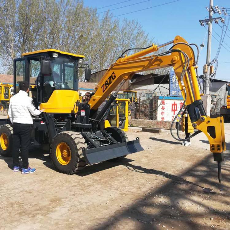 重庆山区选择小型轮式挖机需要具备几个必备条件L