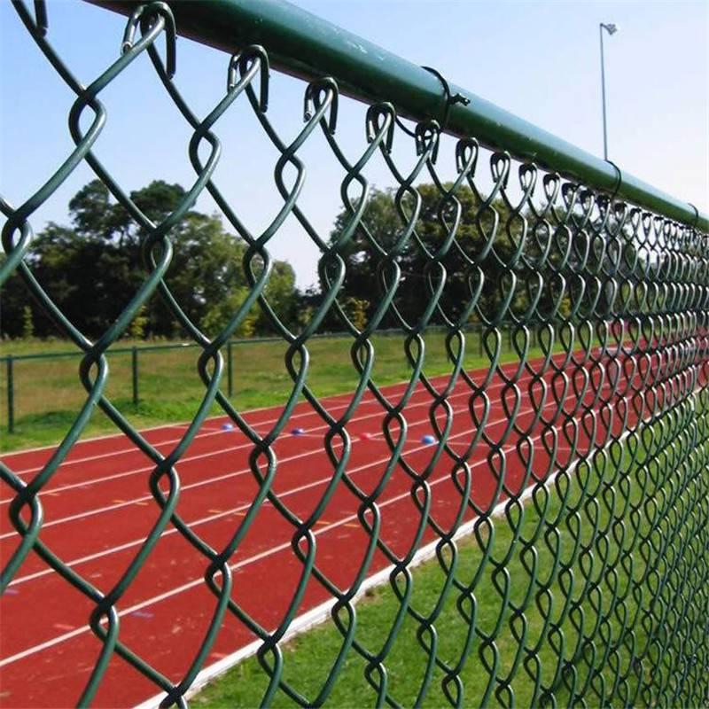 绿色框架式护栏 体育场地护栏网 球场围栏厂家
