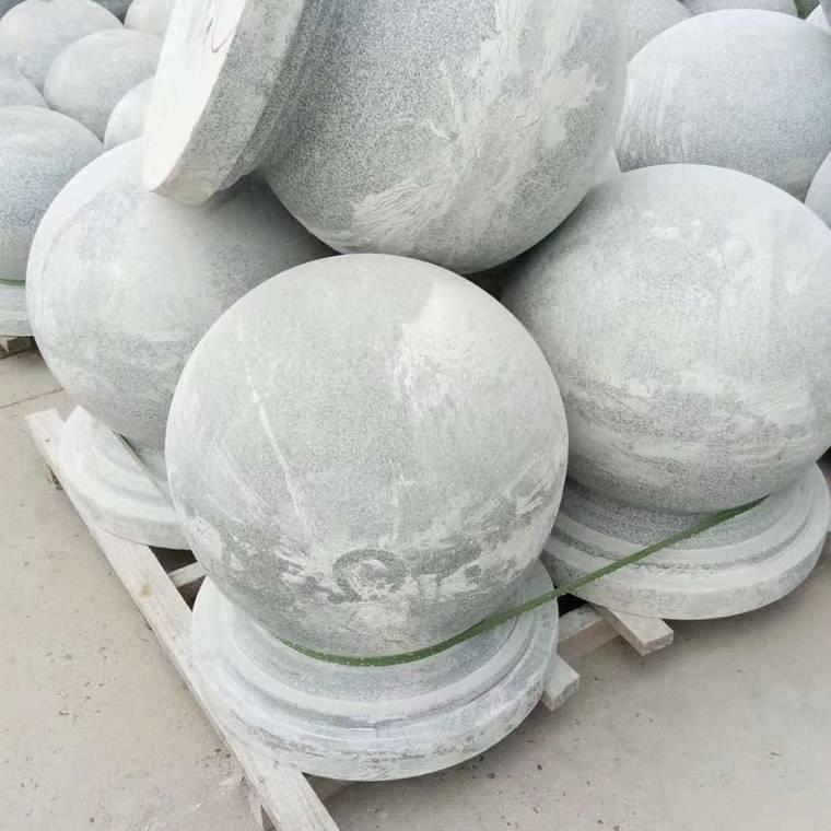北京天然花岗石芝麻灰圆球路障石 人行道广场挡车石哪里有?