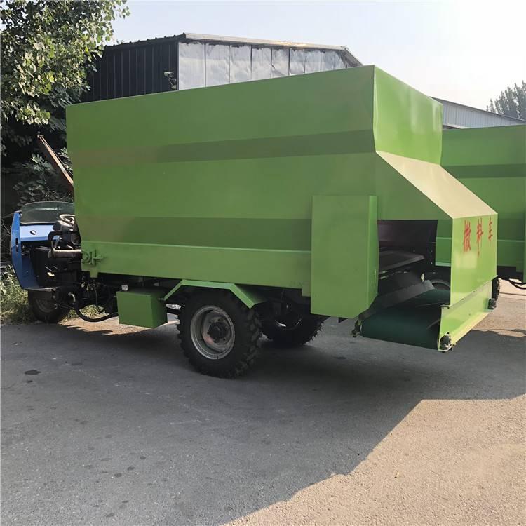 新型大容量撒料车 润众厂价直销撒料车