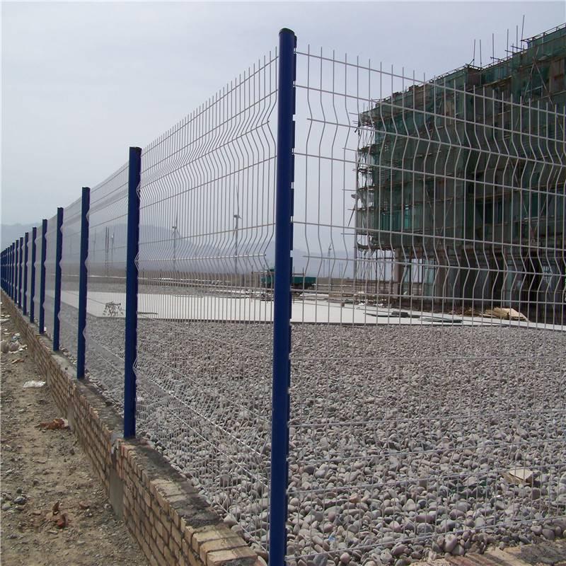 方刚护栏网 园区护栏网 围墙绿色铁丝网批发
