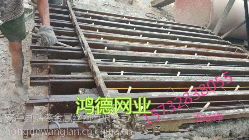 内蒙古桥梁防撞护栏厂家直销可到现场安装
