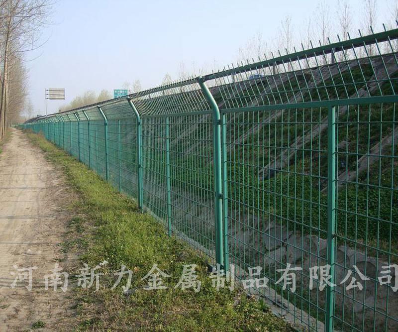 双边丝护栏 厂家供应 高速公路护栏网 圈地围网 河南新力