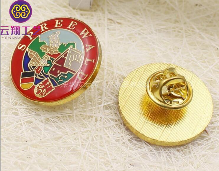低价供应中高档金属徽章纪念章 山东珐琅胸章定制 常用上色校徽定做