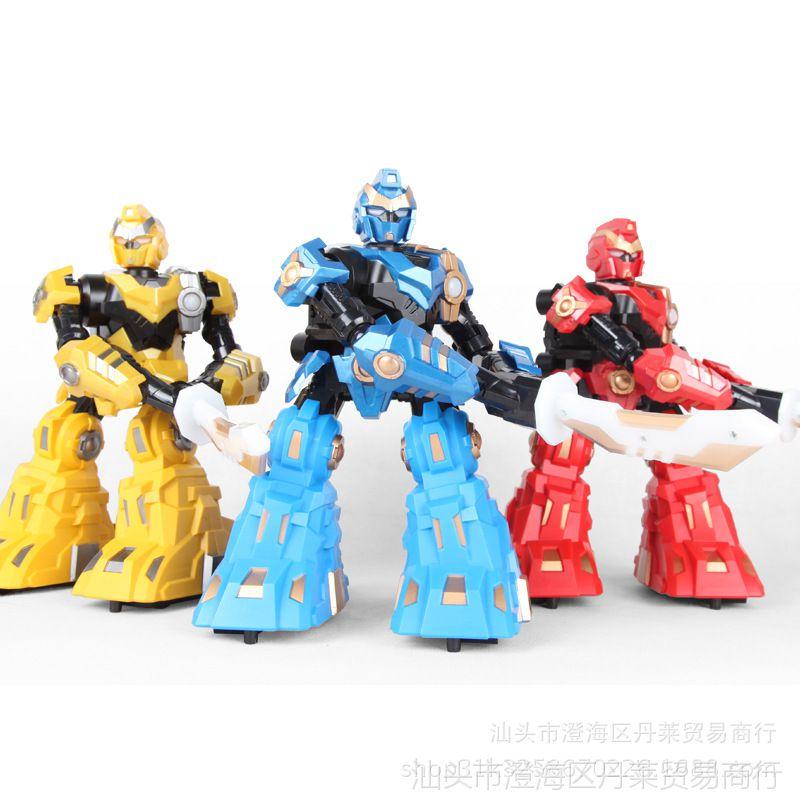 耐摔2.4G对战体感单刀机器人儿童电动灯光高达格斗变形金刚玩具