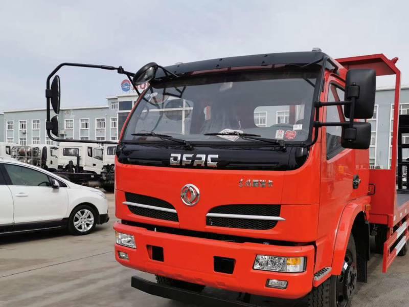 4米4轴距东风多利卡小黄牌挖机拖车拖12吨挖机的平板车