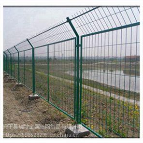浸塑框架护栏网厂家瑞才货全价低