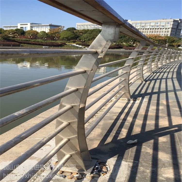 金聚进 厂家直供 天桥 桥梁 河道 不锈钢防撞护栏 304户外防撞立柱CJ8W7
