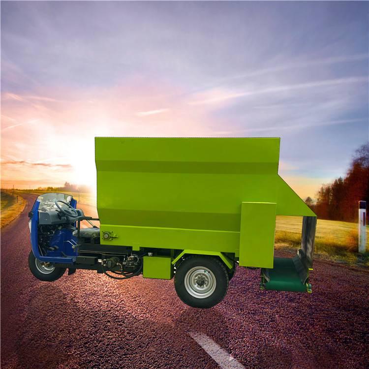 润丰 加装大容量喂牛场 奶牛场撒料车价格