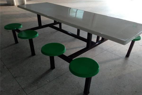 东莞工厂饭堂餐桌 学校食堂餐桌厂家在哪里?