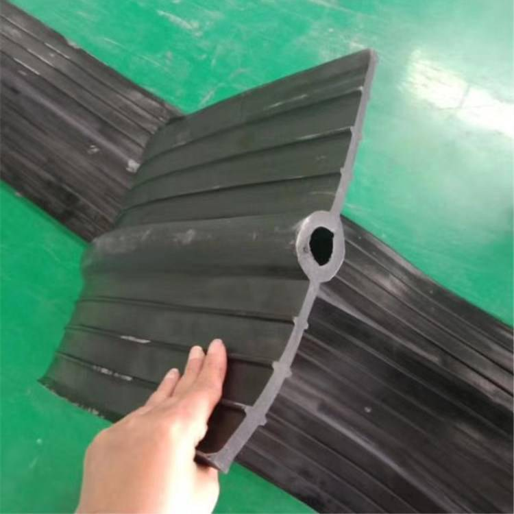 涟源市 陆韵 350/6浅埋式橡胶止水带 耐腐性能