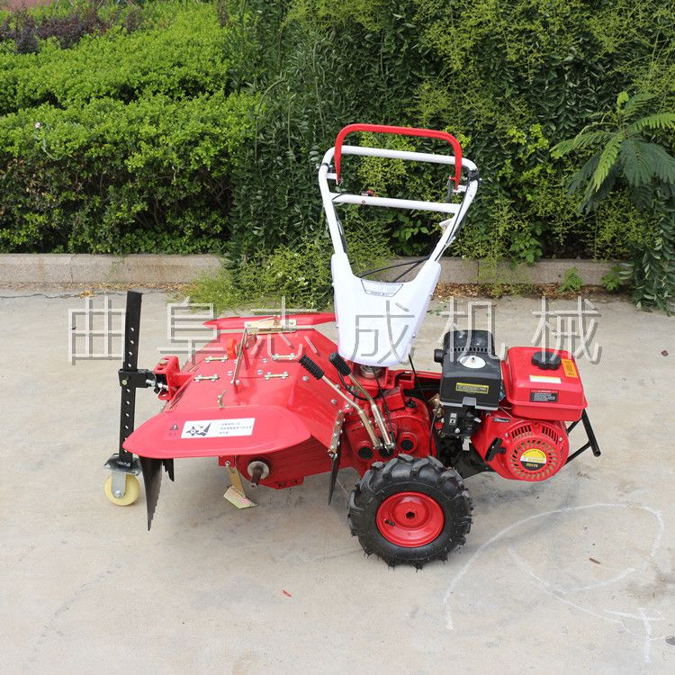 生产汽油四驱微耕机大棚果园旋耕松土机农用小型犁地机田园管理机