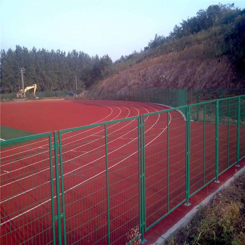 体育场勾花网护栏 操场运动场围网 绿色钩编网