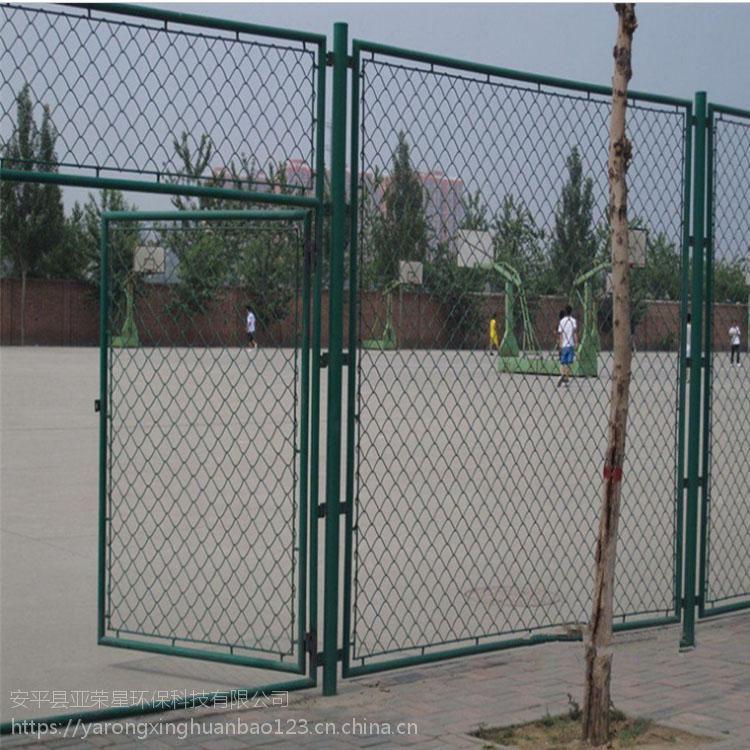 篮球场围网高度@绿色勾花网@运动场围栏施工方案 隔离网