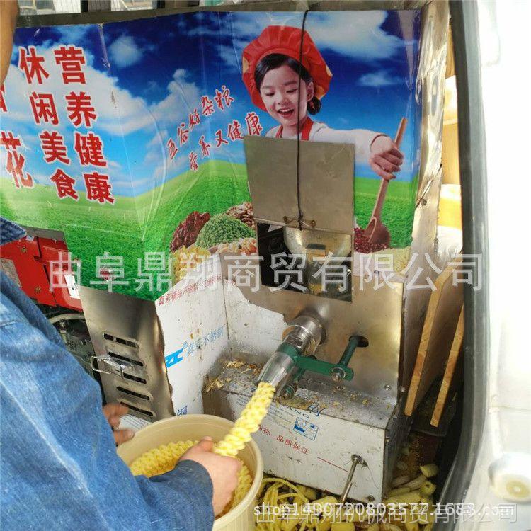 临沂自熟型江米棍膨化机 玉米弯管膨化机 四缸柴电两用膨化机