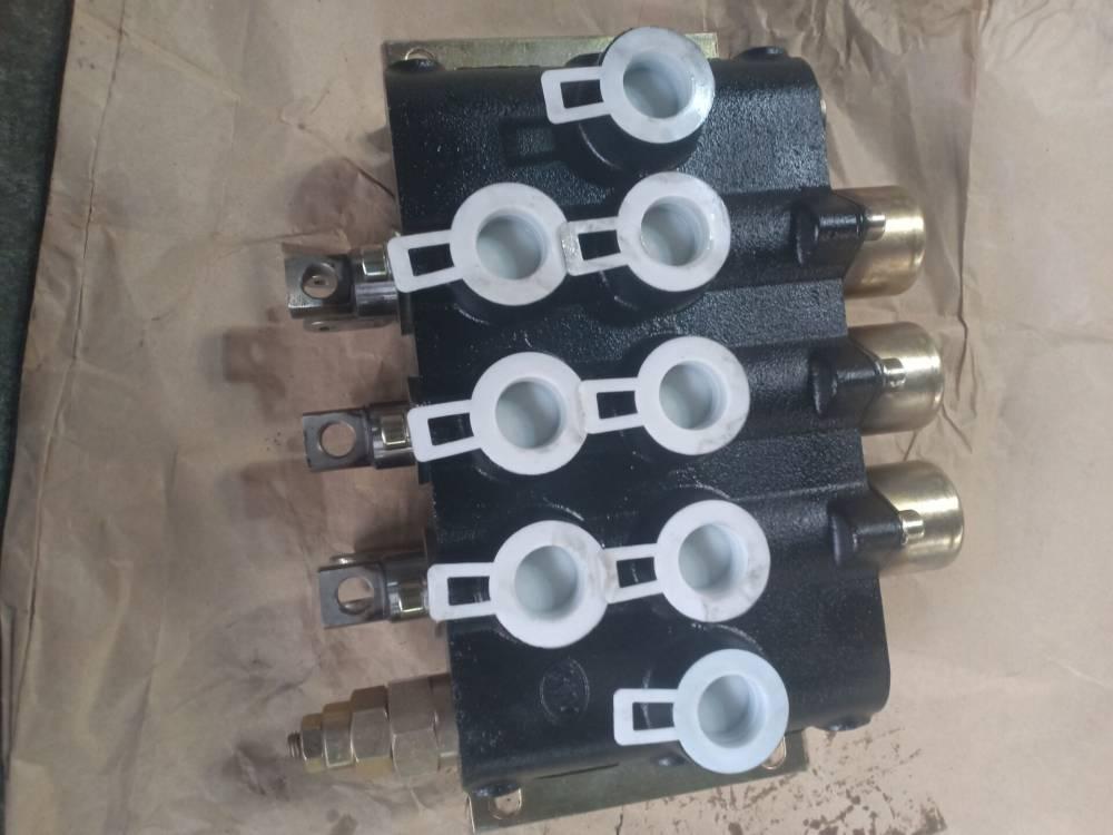 ZS5-L20E-2OT液压多路换向阀 ZD-L20E-2T手动操纵阀分配器