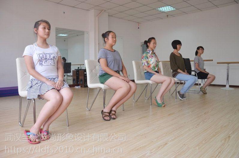 武汉女孩子走路头像腿型女生看,快速提升个人关于的权志龙驼背不好图片