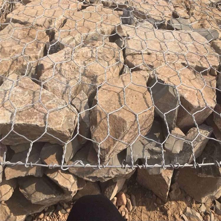 台湾镀锌六角网 河北防汛六角网批发 铅丝笼设计