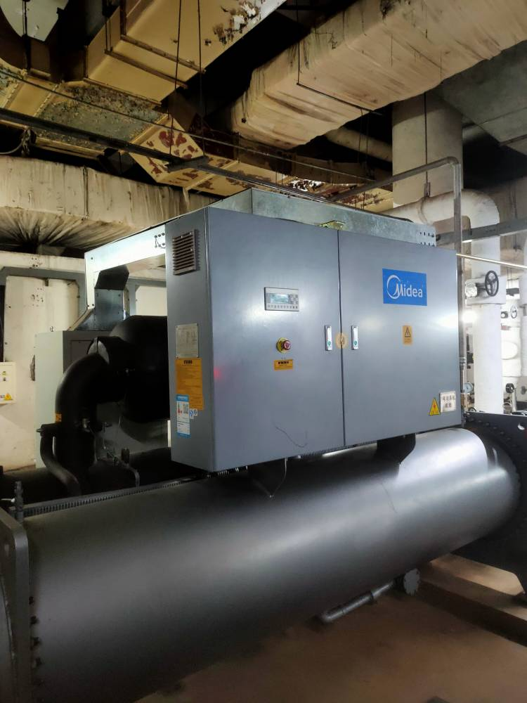 西亚特中央空调进水维修水源热泵压缩机维修