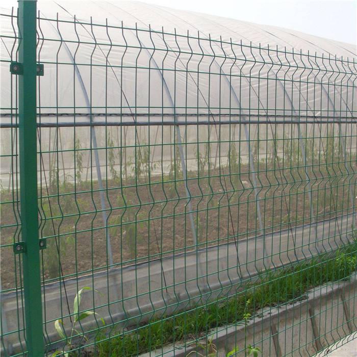 森林护栏围网 停车场隔离栅 折弯护栏网
