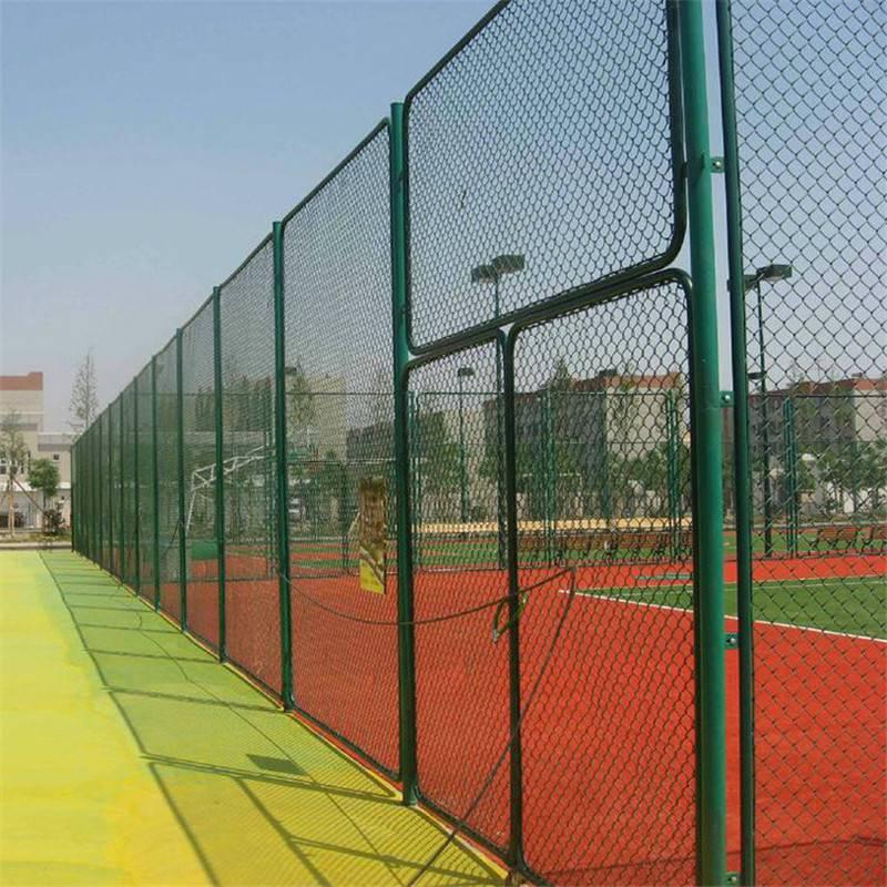组装球场围网 体育场勾花护栏 球场护栏多钱一平方