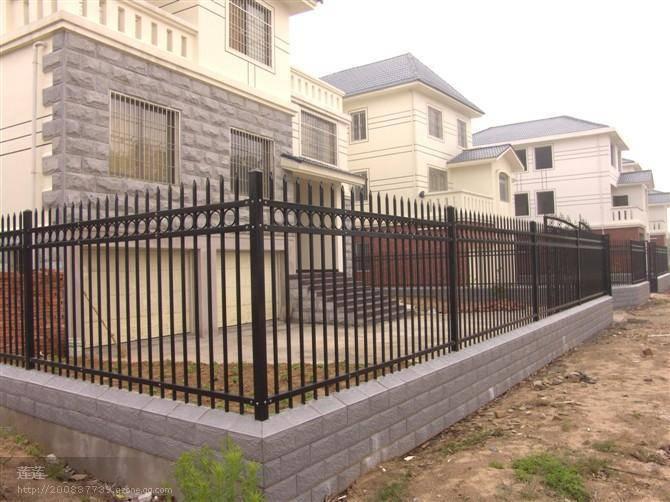 清远小区栅栏定做 锌钢围栏出口品质 清远别墅铁艺护栏报价
